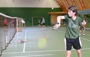 GADEHO FINTA cvičí šikovnost v práci s raketou i flexibilitu zápěstí